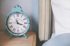 人の睡眠と覚醒のリズムは24時間サイクルではない